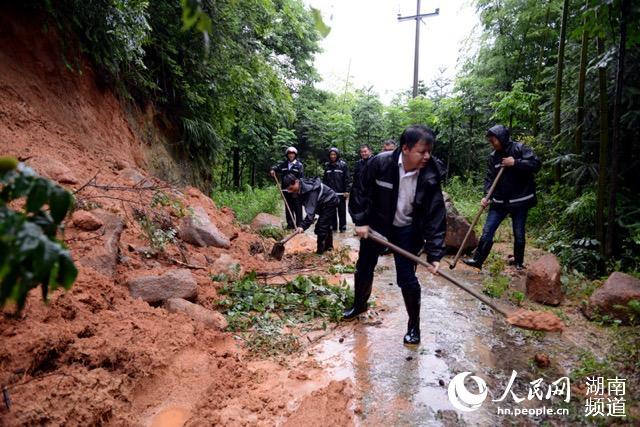 湖南岳阳县大云山发生山体滑坡 暂无人员伤亡