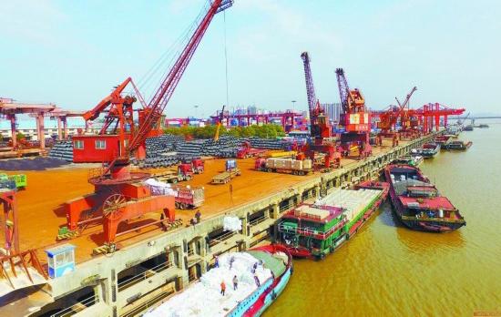 长沙新港好繁忙