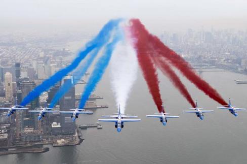 法国飞行表演队亮相纽约(组图)