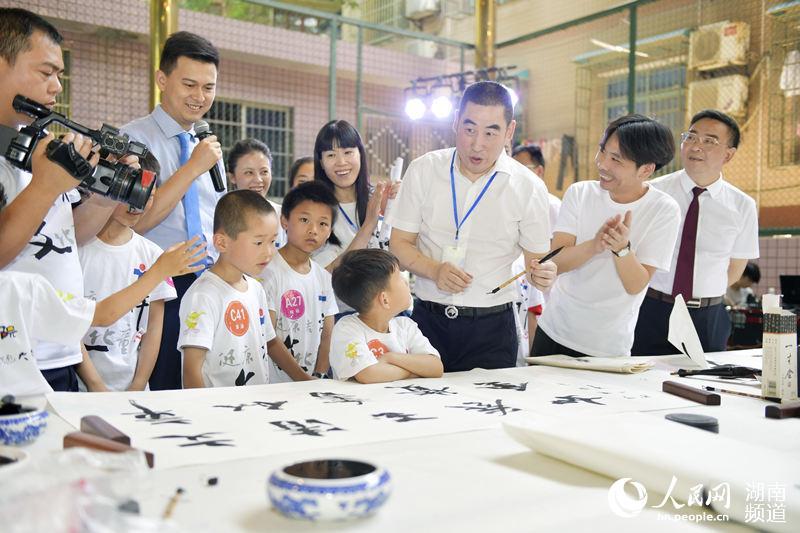 湖南省儿童医院举办第三届 祥文杯 儿童书画大赛