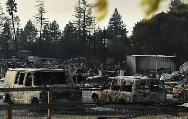 美国加州森林大火已造成23人死亡