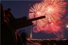 圣彼得堡纪念卫国战争胜利73周年