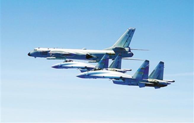空军组织航空兵双向绕飞台岛巡航