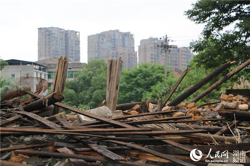 湖南浏阳:400余年古建筑遭强拆成废墟