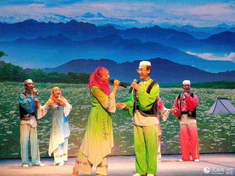 山歌节全国少数民族地区山歌邀请赛全国总决赛,在湖南大剧院四楼