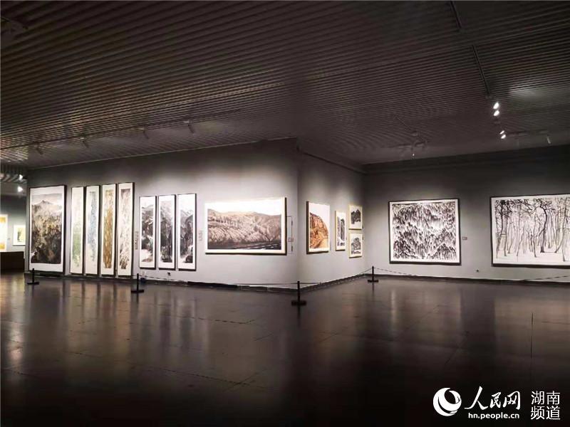 """""""西川和他的学生们艺术大展""""在长开幕 见证改革开放40周年"""